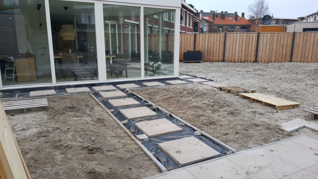 terras, staptegels, betontegel, 60x60, JJdZ, aanleg, tuinaanleg